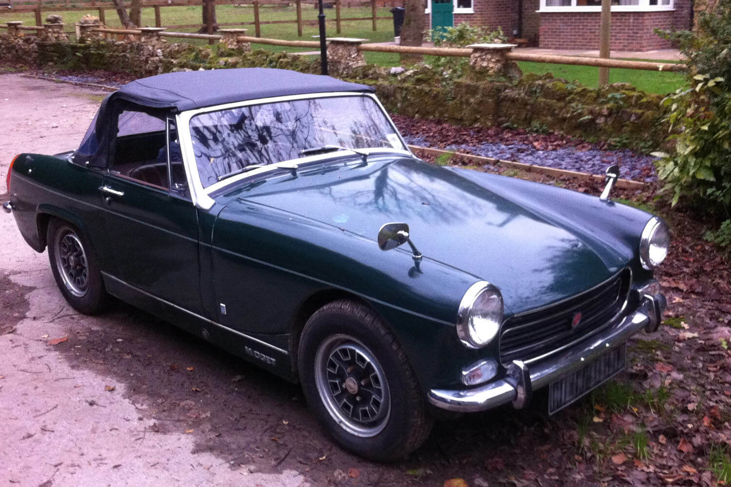 The MG Midget donated by Maurice's best friend, to raise money for Perennial